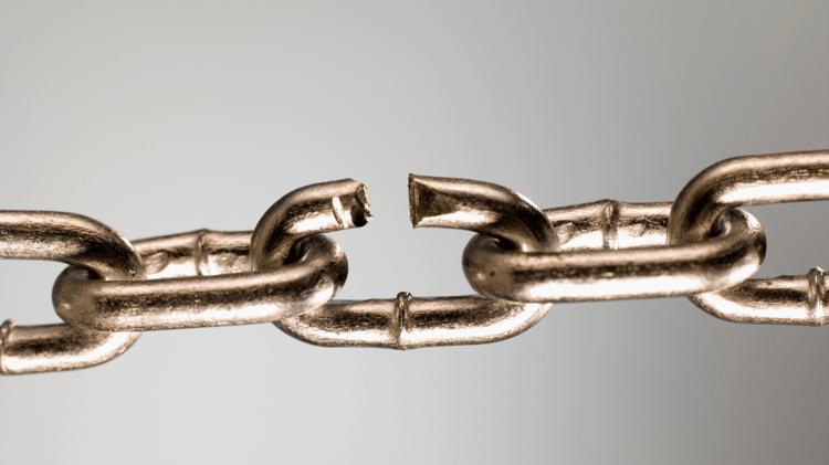 Bad Links - Broken chain link