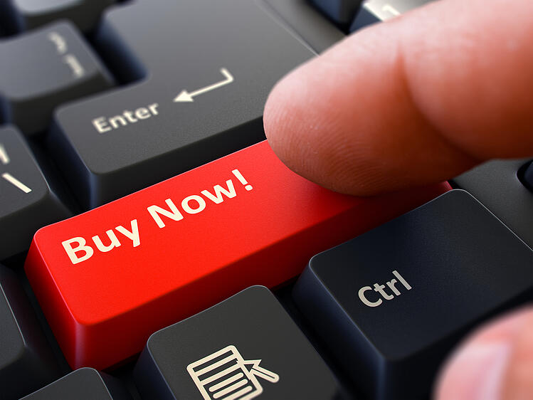 Clear CTA in Email Marketing - Buy Now on keyboard
